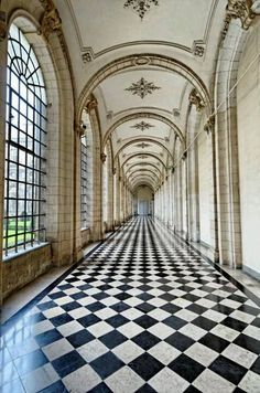Black and white checkered floor - Versailles  Is this in fact Versailles - I like it, but I have conflicting information.