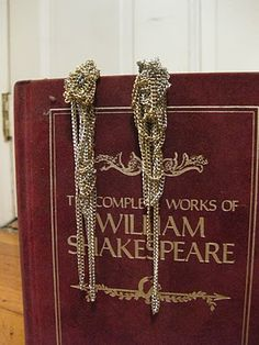 Tangled chain earrings. Want to make these SO much.