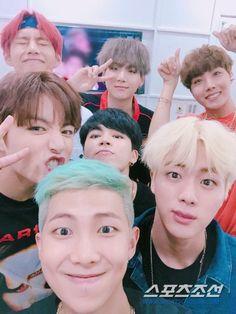 #BTS #방탄소년단 ❤ special interview selfie.
