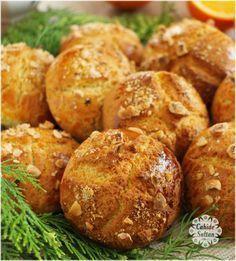 Pastanelerde gördüğünüz kocaman portakallı kurabiyelerin aynısı olan bu … I recommend you to try this recipe which is the same as the big orange cookies you see in the bakeries. Baby Food Recipes, Cookie Recipes, Dessert Recipes, Cookies Et Biscuits, Cake Cookies, Orange Cookies, Snacks Sains, Cake Fillings, Turkish Recipes