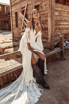 """Rue de Seine Launches Southwest-Inspired """"Moonrise Canyon"""" Wedding Dress Collection TODAY (With images) Bohemian Bride, Bohemian Wedding Dresses, Bridal Dresses, Wedding Gowns, Wedding Shoes, Bohemian Weddings, Bohemian Beach, Indian Weddings, Prom Gowns"""