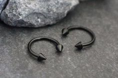 Black Arrowhead Horseshoe Barbell, Septum Ring,Lip Ring, Eyebrow Piercing, Daith Jewelry, Nipple Hoop, Bridge Piercing, Facial Piercing, Face Piercing, Smiley Piercing – MyBodiArt