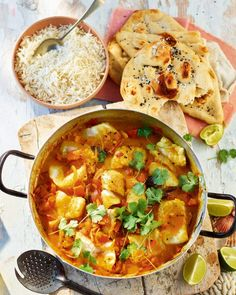 Spinach, tomato, prawn and salmon curry - Recipes to Cook - Delicious Seafood Curry Recipe, Shellfish Recipes, Curry Recipes, Salmon Curry, Prawn Curry, Coconut Curry Sauce, Fish Curry Coconut, Roasted Cod, Sweet Potato Curry