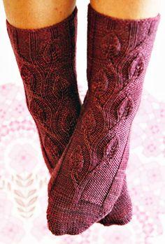 Midsummer Night's Dream sock - Knitty: Fall 2009