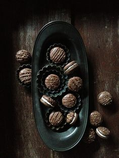 Mocha Crunch Macarons via Bakers Royale #recipe