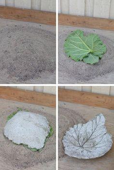 Idag visar jaghur man gör ett betongfat av rabarberblad. Vilket är en uppskattad gå-bort-present. 1. Först måste man ha sand och sen gör man en kulle av sanden. Hur hög den blir är hur djup man vill…