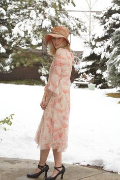 VINTAGE SILK FLORAL FLAPPER DRESS Pretty as a Spring garden! This beauty slips over the head with a faux sash tie in the back. Soft gathers through
