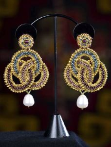 The Artemisia Earrings project from Maggie Meister's Classical Elegance.  Search for the Pdf pn the page.
