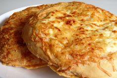 Recette extra simple de fougasse au fromage. Idéale pour recevoir des invités et les épater avec vos talents de boulanger. C'est beau, bon et fait maison !