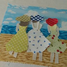 Cutting and piecing pretty fabric ready to add the detail with freehand machine embroidery. Freehand Machine Embroidery, Free Motion Embroidery, Machine Embroidery Applique, Fabric Postcards, Fabric Cards, Thread Art, Thread Painting, Beach Quilt, Creative Textiles