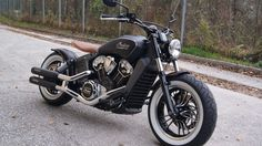 Unsere INDIAN Motorräder im Showroom - Godfather Custombikes - Motorcycle Repair & Sale Motorcycle Events, Motorcycle Companies, Bobber Motorcycle, Bobber Chopper, Cool Motorcycles, Indian Motorcycles, Retro Motorcycle, Indian Scout Custom, Indian Scout Sixty