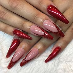71 Christmas Nail Art Designs & Ideas for 2019 Cute Christmas Nails, Xmas Nails, Christmas Nail Art Designs, Christmas 2019, Red Nail Art, Red Acrylic Nails, Holiday Acrylic Nails, Black Nail, Holiday Nails