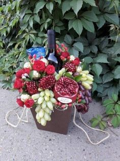 New fruit bouquet christmas gift ideas 53 Ideas Fruit Box, New Fruit, Vegetable Bouquet, Food Bouquet, Edible Bouquets, Diy Projects Cans, Heirloom Roses, Color Palate, Best Fruits