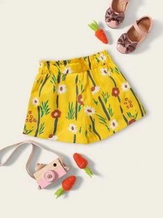 To find out about the Toddler Girls Floral Print Frill Trim Shorts at SHEIN, part of our latest Toddler Girl Shorts ready to shop online today! Toddler Girl Shorts, Toddler Girl Style, Kids Girls, Toddler Girls, Polka Dot Shorts, Belted Shorts, Type Of Pants, Yellow Pattern, Floral Pants
