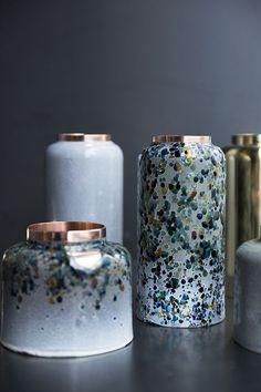 Vases en cuivre (Korea Craft & Design Foundation) Plus Vase Centerpieces, Vases Decor, Wall Vases, Pottery Vase, Ceramic Pottery, Slab Pottery, Thrown Pottery, Ceramic Bowls, Ceramic Art