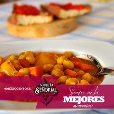 Lengua en azafrán, con verduras, especias, aceitunas y pasas, acompañada con pan francés. Platillo de Chiapas. #MÉXICOENBOCA