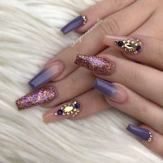 Ombre Nails Design With Glitter And Rhinestone Accents ❤️ Long nails are the perfect canvas. In case you are looking for some fresh nail art to try out we happen to have a fresh collection at hand! Fabulous Nails, Perfect Nails, Gorgeous Nails, Diy Nails, Glitter Nails, Cute Nails, Glitter Makeup, Long Nail Art, Long Nails