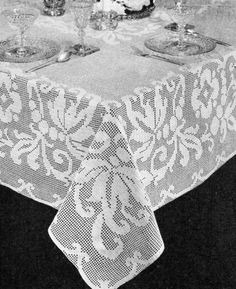 Banquet Tablecloth Filet Crochet Pattern - Vintage Crafts and More