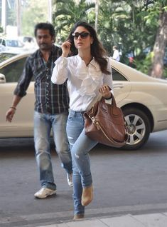 10 Travel Styles Of Bollywood Actresses Classy Outfits, New Outfits, Casual Outfits, Fashion Outfits, College Outfits, Casual Wear, Fashion Women, Women's Fashion, Bollywood Outfits