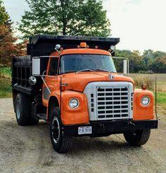 I-H 6 wheel dump truck Old Pickup Trucks, Farm Trucks, Big Rig Trucks, Dump Trucks, Diesel Trucks, International Pickup Truck, International Harvester Truck, Station Wagon, Medium Duty Trucks