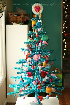 think I'll have a turquoise Christmas tree like this one next year!
