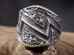 LARGE Navajo KEVIN YAZZIE Sterling Silver TUFA CAST *LIGHTENING* Ring SIZE 10.5
