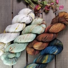 It's all about that fade! Kits are available in our new Color Fade Kit shop section! Yarn Colors, Colours, Sock Yarn, Hand Dyed Yarn, Beautiful Hands, Burlap Wreath, Crochet Stitches, Fiber, Projects To Try