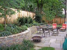 Retaining wall and patio | Johnson's Landscaping
