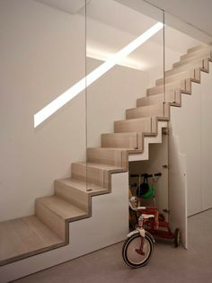 Modern Staircase Design Ideas - Modern stairs come in lots of design and styles that can be genuine eye-catcher in the different location. We have actually assembled best 10 modern versions of stairs that can provide. Staircase Storage, Staircase Railings, Stair Storage, Stairs With Storage, Storage Area, Glass Stair Railing, Space Saving Staircase, Narrow Staircase, Open Stairs
