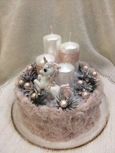 In this DIY tutorial, we will show you how to make Christmas decorations for your home. The video consists of 23 Christmas craft ideas. Christmas Fireplace, Christmas Candle, Christmas Centerpieces, Pink Christmas, Victorian Christmas Decorations, Christmas Tree Decorations, Christmas Wreaths, Christmas Crafts, Advent Candles