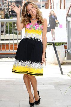 Sarah Jessica Parker continúa siendo la inspiración de muchas en materia de moda y estilo. #fashion #trend #fashionista