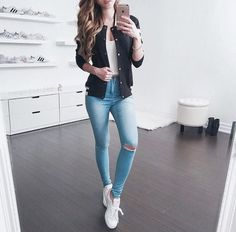 40 Best School Outfits For Teen Girls to Look Cool - Artbrid - Teenager Outfits, Outfits For Teens, Fall Outfits, Summer Outfits, Summer Clothes, Look Fashion, Teen Fashion, Korean Fashion, Cute Casual Outfits