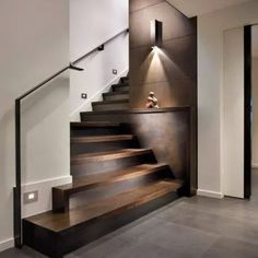 WEBSTA @ studio_morado - Beautiful and elegant stairs, hardwood floor   porcelanato #hardwood #porcelanaton #stairs #instalike #interior #interiorideas #interiores #interiordesign #home #homedecor #decor #decoration #decoracion #casa #disenointerior