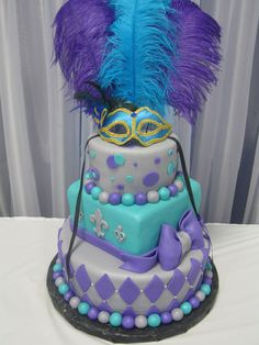 I love this three tiered idea! Pretty Cakes, Cute Cakes, Beautiful Cakes, Amazing Cakes, Fondant Cakes, Cupcake Cakes, 16 Cake, Masquerade Cakes, Masquerade Party