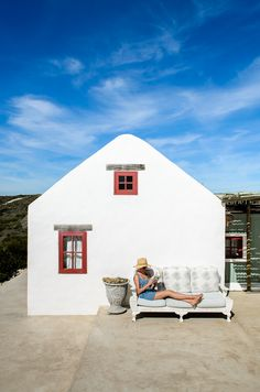 West of the Moon is a beautifully decorated West Coast-style beach cottage directly above the white sand beaches, with uninterrupted views. Beach Cottage Style, Coastal Style, Beach House, South African Homes, Holiday Places, Beach Holiday, Beach Cottages, Little Houses, House Painting