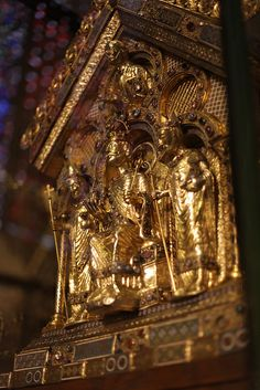 Charlemagne's tomb. European History, Art History, Aachen Cathedral, King Of Italy, Famous Historical Figures, French Royalty, Holy Roman Empire, Family Roots, My Ancestors