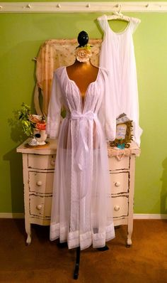 3b2621ce98 32 Best vintage nightgown images