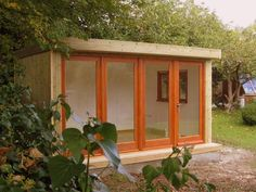 With money not flowing as freely these days we thought it would be interesting to see what types of garden studio we could buy with a budget of £12,000. Our search was not to find the cheapest gard…