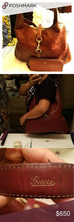100% Authentic Gucci Hobo Burgundy Hobo Bag in great condition. Some wear on corners and underneath handle as shown. Does not have original dust bag but a dust bag will come with it. Free gift with purchase!!!! Will throw in a Burgundy All leather Fossil wallet to match your bag. Cleaning out my closet make me an offer. Gucci Bags Hobos