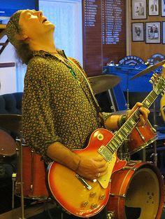 Tenby Blues: Elephant Gerald at Tenby Bowling Club