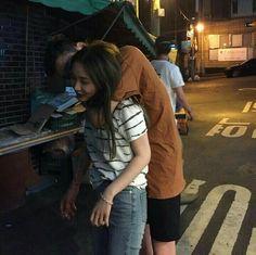 Couple, ulzzang, and korean image Korean Ulzzang, Korean Boy, Korean Couple, Cute Korean, Ulzzang Couple, Ulzzang Girl, Korean Image, Outdoor Fotografie, Couple Goals Cuddling