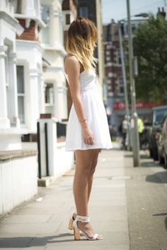 Find your staple LWD to transit from the office to Happy Hour without missing a step this summer! ;)) #MorningsWithMoll