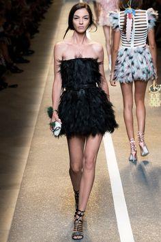 milan fashion week | mfw | fendi spring 2015 | feathers.