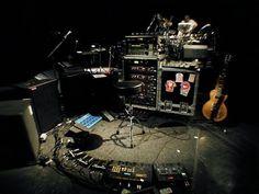 Robert Fripp's guitar rig Guitar Strumming, Guitar Rig, Guitar Pedals, Acoustic Guitar, Guitar Players, Drums Studio, The Power Of Music, Bass Amps, Pedalboard