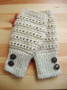 Vanilla Frappe Fingerless Gloves