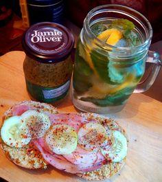 Sandwich rolls with ham, spread with jamie oliver's pesto   #breakfast #sandwich #rolls #infusedwater #ham #bacon #morning