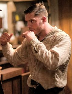 """In this featurette for """"Lawless"""" we go behind the scenes with the cast and crew of the film. Starring Tom Hardy, Gary Oldman, Shia LeBouf, Mia Wasikowska and. Cabelo Tom Hardy, Tom Hardy Lawless, Tom Hardy Haircut, Tom Hardy Movies, Toms, Viggo Mortensen, My Tom, Gary Oldman, Hugh Dancy"""