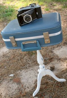 Suitcase table. I have two of these exact suitcases and I would love to make matching end tables :)