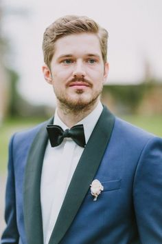 classy black and navy tux - photo by Thomas Steibl