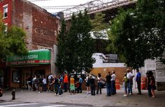 The usual queue in front of Grimaldi's, Brooklyn, New York City, USA